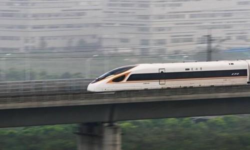 Tàu cao tốc Fuxing của Trung Quốc chạy tuyến Bắc Kinh - Thượng Hải. Ảnh:Reuters