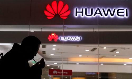 Gian hàng Huawei tại một triển lãm công nghệ ở Bắc Kinh, Trung Quốc. Ảnh:AP.