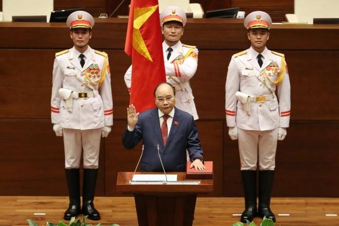 Ông Nguyễn Xuân Phúc tái đắc cử, tuyên thệ nhậm chức Chủ tịch nước
