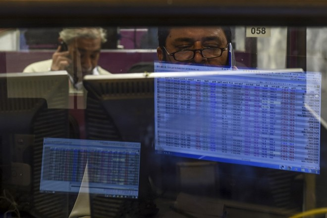 Covid-19 lại reo rắc nỗi sợ cho nhà đầu tư