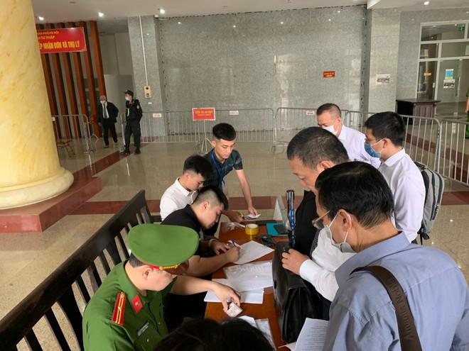 Vụ Gang thép Thái Nguyên: Đề nghị triệu tập ông Vũ Huy Hoàng ảnh 2