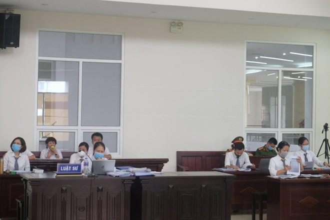 Viện Kiểm sát khẳng định mức án 10 năm tù cho bị cáo Nguyễn Nhật Cảm là có căn cứ, tương xứng với hành vi phạm tội ảnh 1