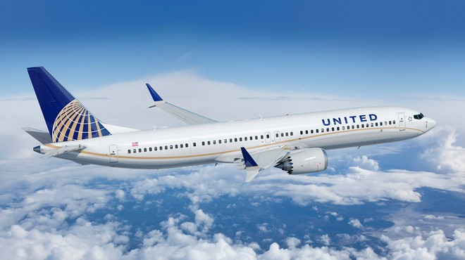 """""""Sale and lease back"""" cứu dòng tiền ngắn hạn của United Airlines trong mùa dịch Covid-19"""