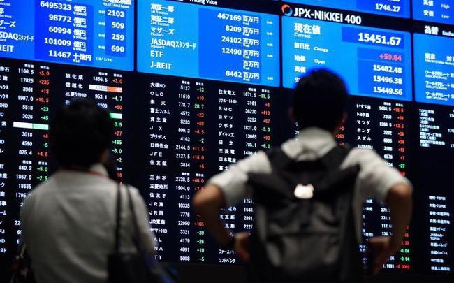 Định giá cổ phiếu khu vực châu Á lên cao nhất một thập kỷ