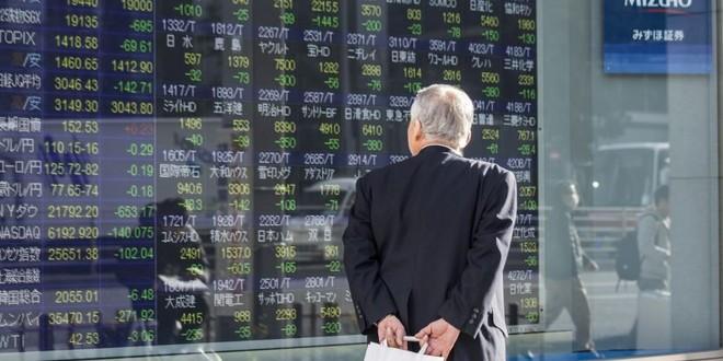 Các quỹ đầu tư toàn cầu tiếp tục giảm tỷ trọng cổ phiếu mặc dù chứng khoán tăng