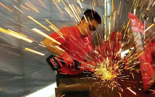 Sản xuất Châu Á tăng tốc khi Trung Quốc bắt đầu quay lại mức trung bình