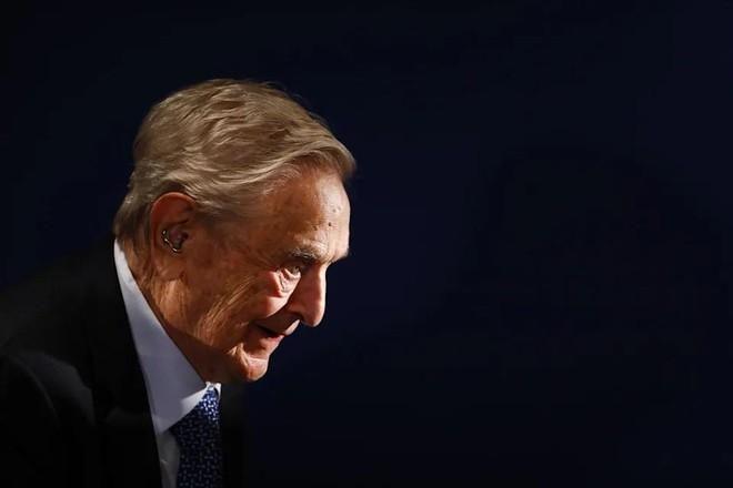 George Soros đã mua cổ phiếu liên quan đến vụ sụp đổ của Archegos