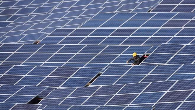 Mỹ cấm nhập khẩu vật liệu tấm pin năng lượng mặt trời từ một số công ty Trung Quốc