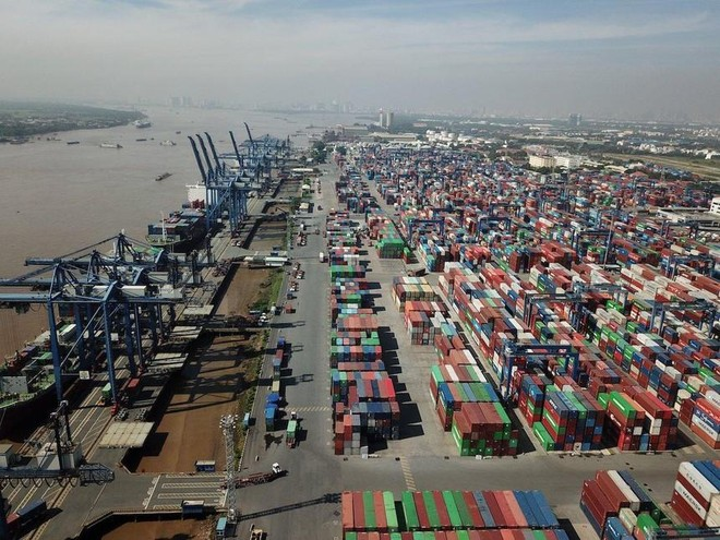 Vận tải và Xếp dỡ Hải An (HAH): Vợ Thành viên HĐQT vừa bán ra 500.000 cổ phiếu