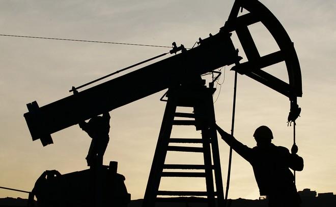 """Các công ty dầu mỏ Nga """"bỏ túi"""" gần 1 tỷ USD khi Mỹ cấm vận Iran và Venezuela"""