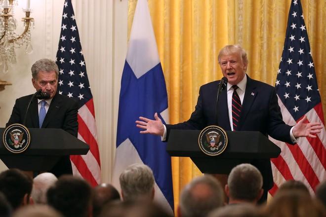Tổng thống Phần Lan Sauli Niinistö và Tổng thống Mỹ Donald Trump tại buổi họp báo sau cuộc hội đàm ngày 2/10 tại Nhà Trắng. Ảnh: Getty Images.
