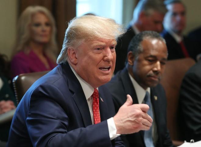 Tổng thống Mỹ Donald Trump trả lời phóng vấn tại cuộc họp tại Nhà Trắng ngày 19/11. Ảnh: Getty Images.