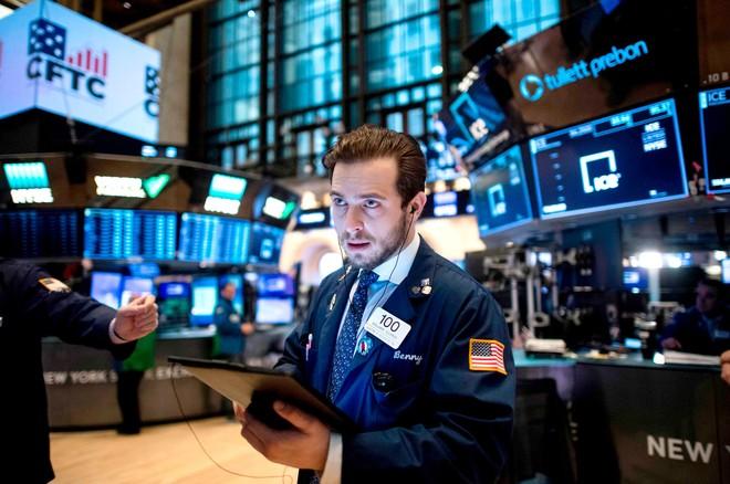 Tâm lý thận trọng bao trùm giới đầu tư