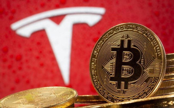 """Tesla đang """"tụt hậu"""" do đầu tư vào bitcoin"""