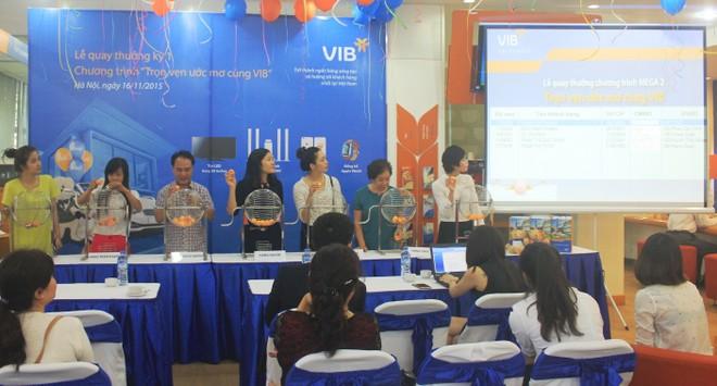 """VIB: Trao thưởng chương trình """"Trọn vẹn ước mơ cùng VIB"""""""