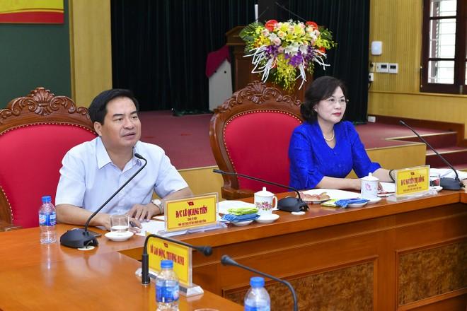 Phó Thống đốc NHNN Nguyễn Thị Hồng và ông Lê Quang Tiến, Phó Chủ tịch UBND tỉnh Thái Nguyên chủ trì Hội nghị
