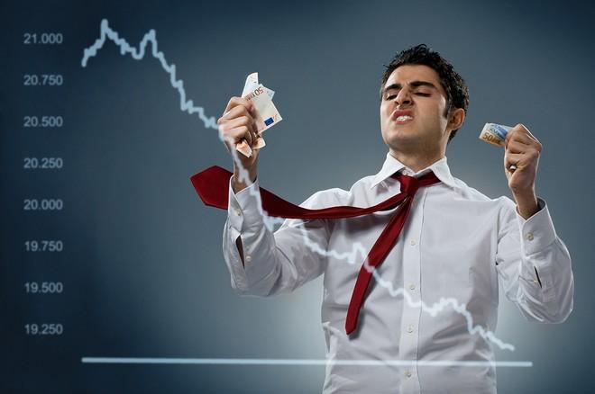 Thị trường tài chính 24h: Hoảng loạn