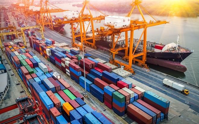 Doanh nghiệp bức xúc tình trạng giá thuê container tăng 8-10 lần