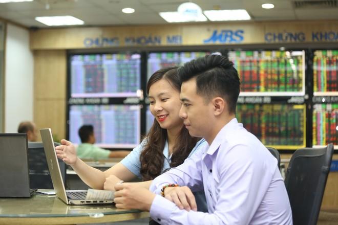 Nóng bỏng cuộc đua thị phần trong Top 20 công ty chứng khoán