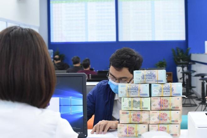 Bloomberg: Nhờ vào nhà đầu tư cá nhân, thị trường chứng khoán Việt Nam hấp dẫn nhất châu Á