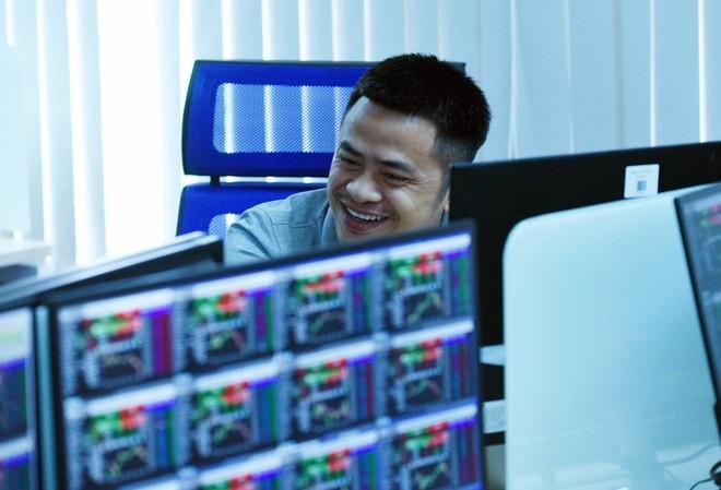 Top 10 cổ phiếu tăng/giảm mạnh nhất tuần: Điểm sáng MSN, DPM, NVB và giao dịch khác thường tại PSH