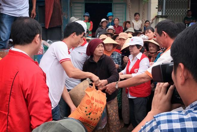 BIC tổ chức các đoàn cứu trợ đồng bào vùng lũ