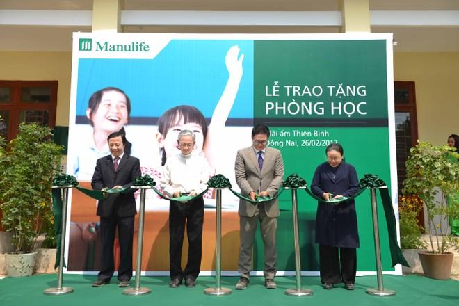 Manulife Việt Nam trao tặng 2 phòng học từ thiện cho Mái ấm Thiên Bình