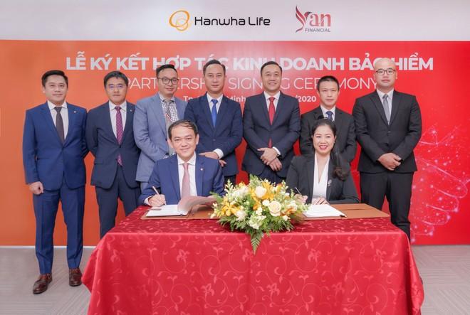 Hanwha Life Việt Nam hợp tác chiến lược cùng YAN Financial