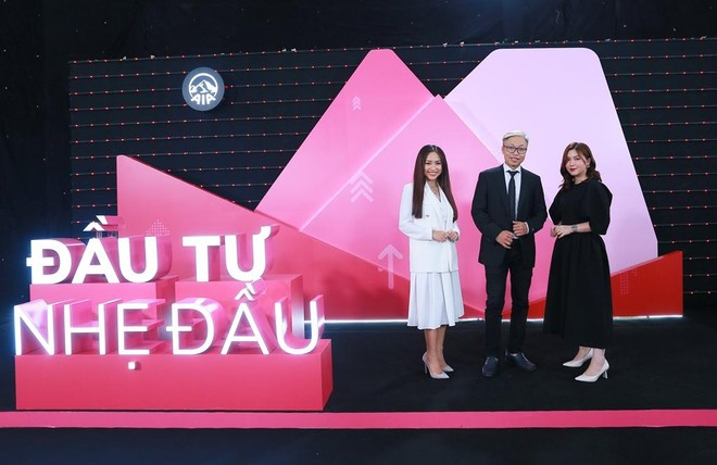 """AIA Việt Nam đưa ra sản phẩm """"Bước đến tương lai"""""""