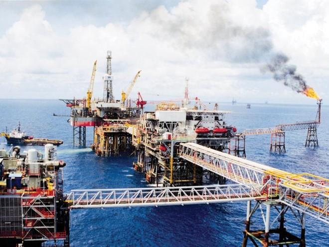 Mỏ Bạch Hổ - dự án hợp tác dầu khí giữa Việt Nam - Liên bang Nga được khai thác thương mại từ giữa năm 1986.