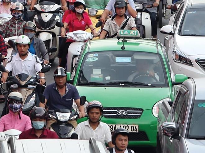 Cũng như các hãng taxi truyền thống, Mai Linh đang đối mặt với sự cạnh tranh rất lớn từ các công ty công nghệ trong lĩnh vực vận tải như Grab, Uber. Ảnh: Đức Thanh