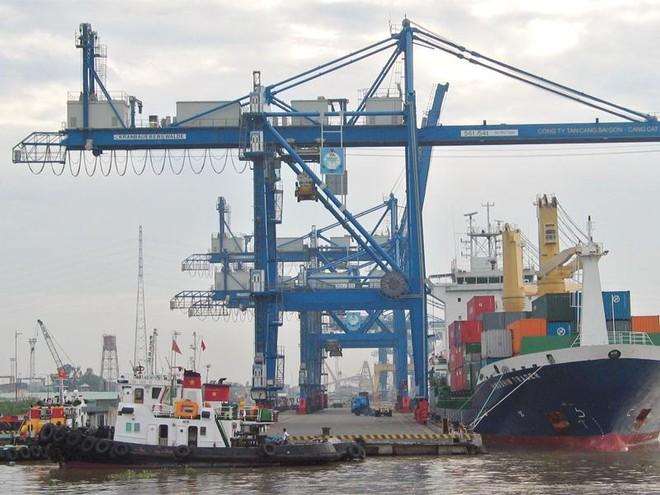 Vinalines muốn nắm giữ 65% vốn điều lệ tại 3 công ty cổ phần Cảng Sài Gòn, Cảng Đà Nẵng và Cảng Hải Phòng. Trong ảnh: Hoạt động tại Cảng SàiGòn. Ảnh: Đức Thanh