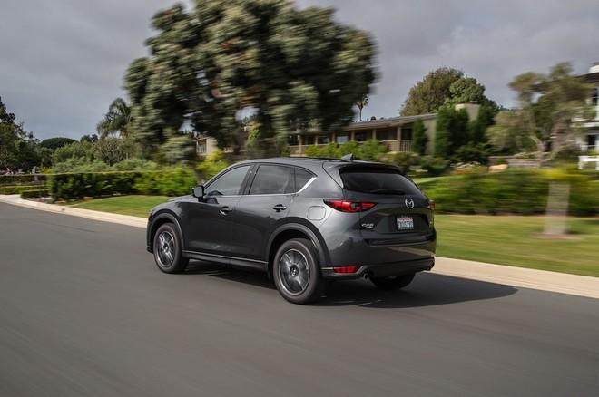 Nội thất Mazda CX-5 2017 đánh bại xe sang Lexus ảnh 3