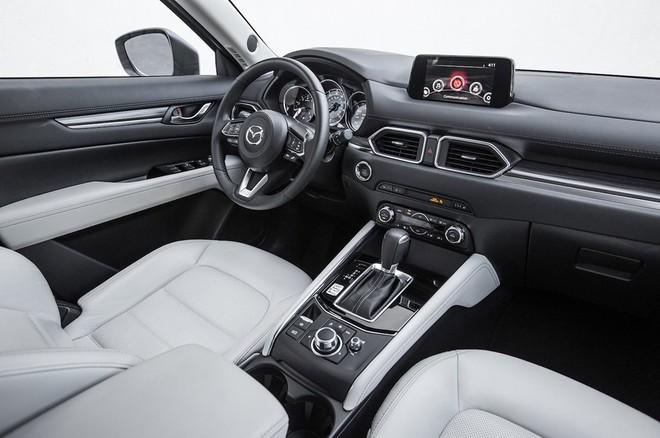 Nội thất Mazda CX-5 2017 đánh bại xe sang Lexus ảnh 6