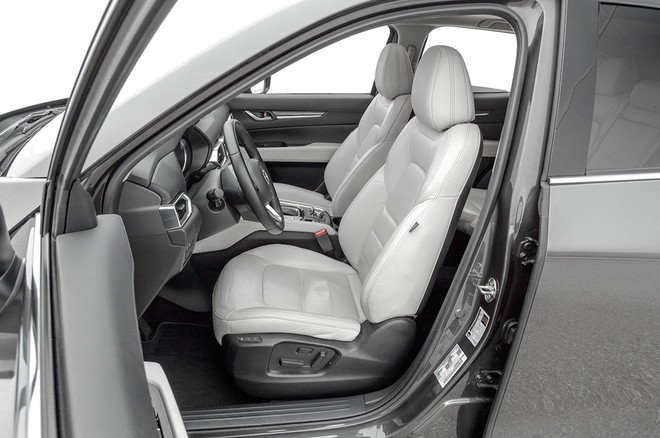Nội thất Mazda CX-5 2017 đánh bại xe sang Lexus ảnh 7