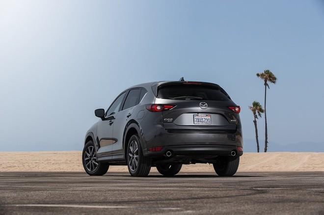 Nội thất Mazda CX-5 2017 đánh bại xe sang Lexus ảnh 8
