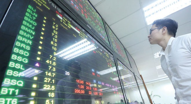 HNX tạm dừng giao dịch 17 cổ phiếu trên UPCoM