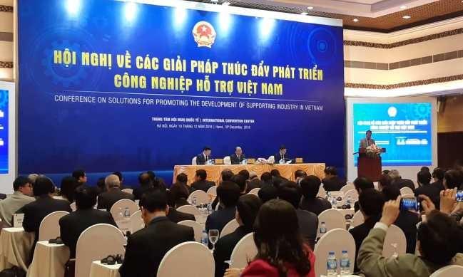 Thủ tướng Nguyễn Xuân Phúc chủ trì Hội nghị về các giải pháp thúc đẩy phát triển Công nghiệp hỗ trợ tại Việt Namsangts 19/12/2018.