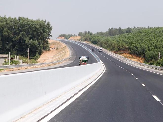 Để biến tiềm năng của thị trường hạ tầng trở thành cơ hội đầu tư thực sự, Việt Nam cần có môi trường đầu tư thuận lợi cho PPP. Trong ảnh: Cao tốc Bắc Giang - Lạng Sơn.