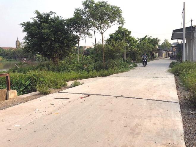 Công trình đường giao thông thôn Sơn Thanh (xã Sơn Hà, huyện Phú Xuyên) không đảm bảo chất lượng theo hồ sơ thiết kế.