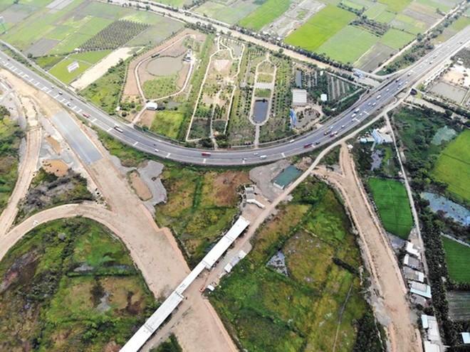 Dự án cao tốc Trung Lương - Mỹ Thuận đoạn tiếp giáp cao tốc TP.HCM - Trung Lương. Ảnh: Mậu Trường