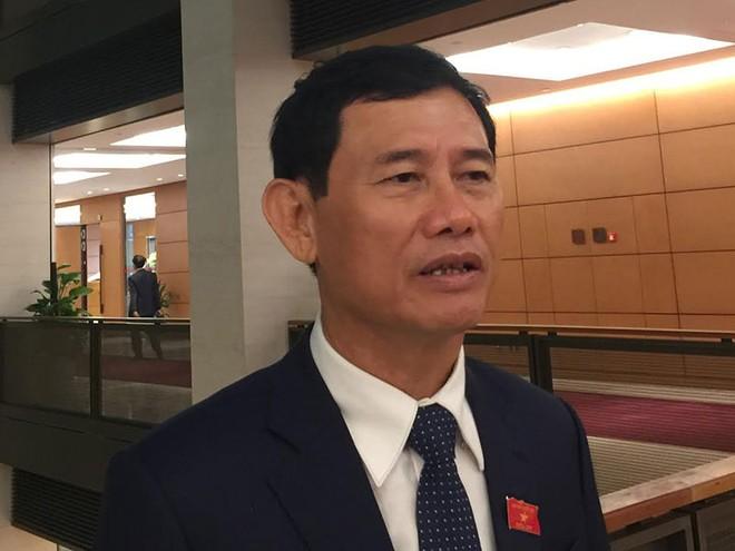 Ông Nguyễn Ngọc Phương, Ủy viên Ủy ban Các vấn đề xã hội của Quốc hội .