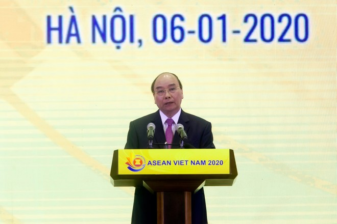 Thủ tướng Chính phủ Nguyễn Xuân Phúc phát biểu tại Lễ khởi động Năm Chủ tịch ASEAN 2020 (Ảnh: Chí Cường)