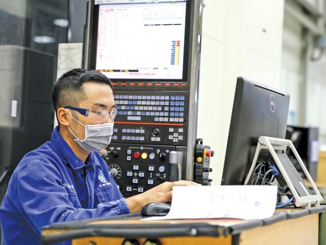 Sản xuất - chế tạo là một trong 2 lĩnh vực thu hút vốn FDI lớn nhất những năm qua. Trong ảnh: Nhà máy GE của Mỹ tại Hải Phòng.