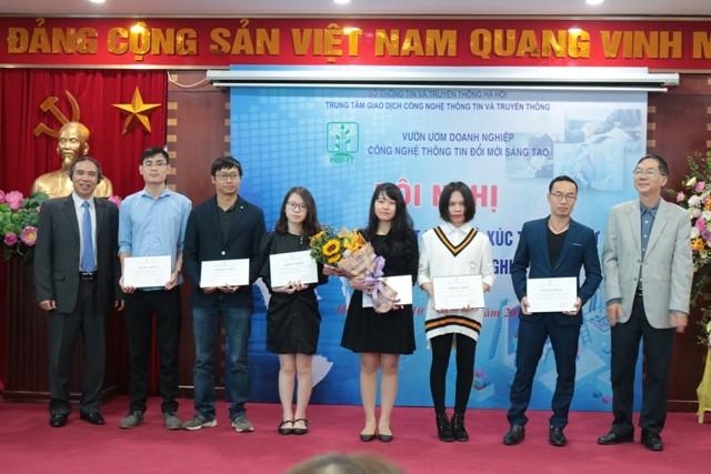 Các dự án được trao giấy chứng nhận tốt nghiệp