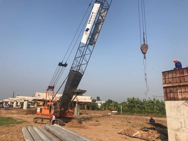 Thi công Dự án đường cao tốc Trung Lương - Mỹ Thuận theo hình thức BOT.