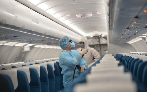 Cho đến thời điểm hiện tại, các hãng hàng không chính là đối tượng chịu nhiều hệ lụy nhất từ dịch Covid – 19 với thiệt hại ban đầu từ việc dừng các đường bay đến các thị trường trọng điểm đã lên tới hơn 30.000 tỷ đồng.