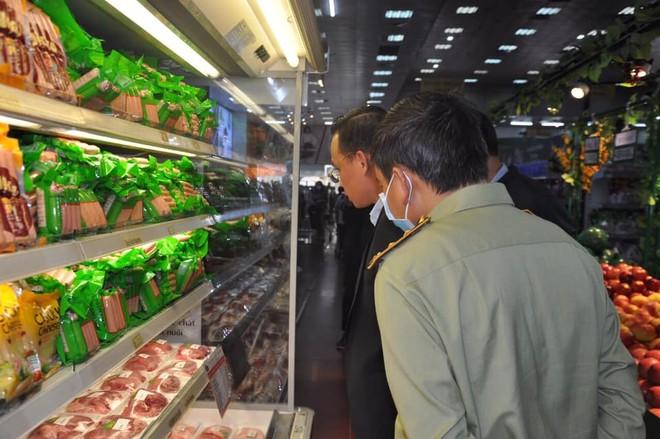 Mặt hàng thịt gia súc, gia cầm, tổng sản lượng thịt hơi các loại dự kiến thực hiện năm 2020 ước đạt 5,5-5,8 triệu tấn thịt các loại, tăng khoảng 10% so với năm 2019