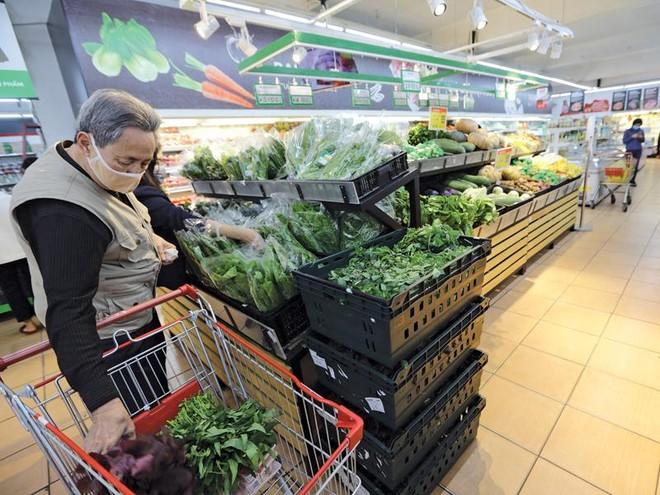Các siêu thị đảm bảo cung cấp đủ hàng hóa thiết yếu phục vụ nhân dân trong mùa dịch. Ảnh: Đức Thanh