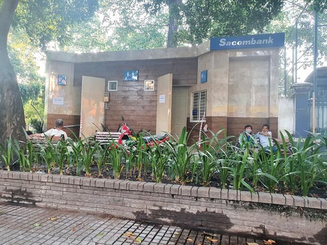 Nhà vệ sinh 5 sao tại Công viên Lê Văn Tám phải đóng cửa sau thời gian ngắn hoạt động. Ảnh: Gia Huy